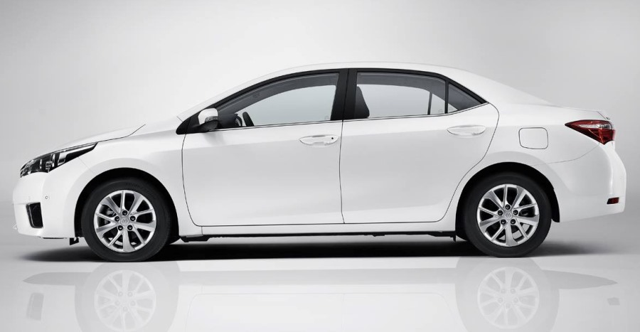 фото Toyota Corolla 2014 сбоку