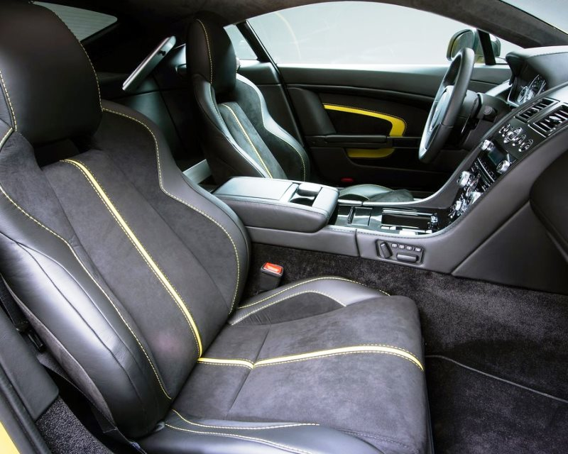 интерьер Aston Martin V12 Vantage S 2014
