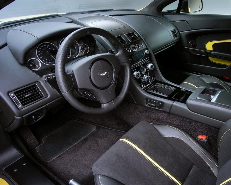 салон Aston Martin V12 Vantage S 2014
