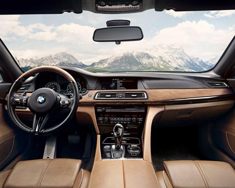 салон BMW Pininfarina Gran Lusso Coupe 2013