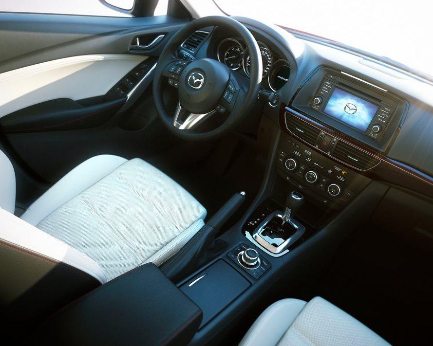 салон Mazda 6 2013 2.5