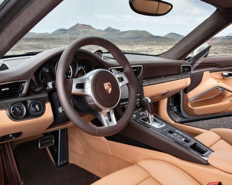 салон Porsche 911 Turbo 2014