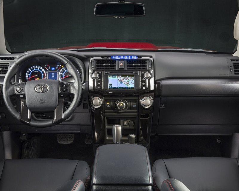салон Toyota 4Runner 2014
