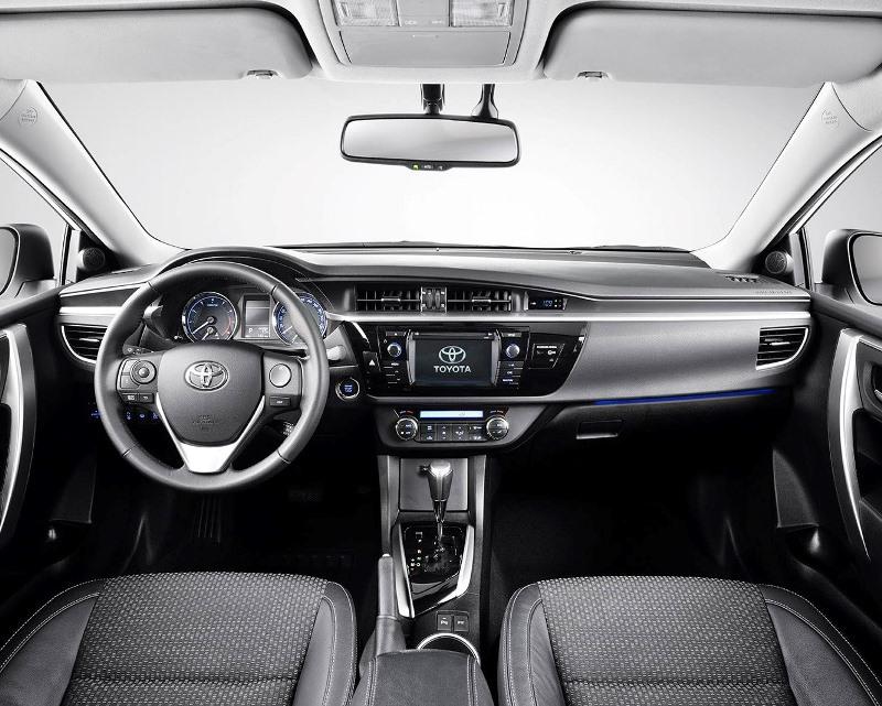 салон Toyota Corolla 2014