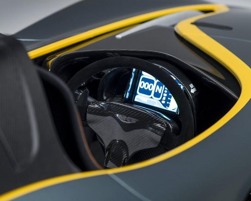 салон концепта Aston Martin CC100 Speedster
