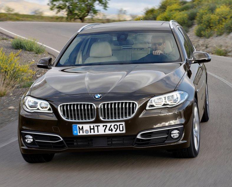 универсал BMW 5-Series Touring 2014