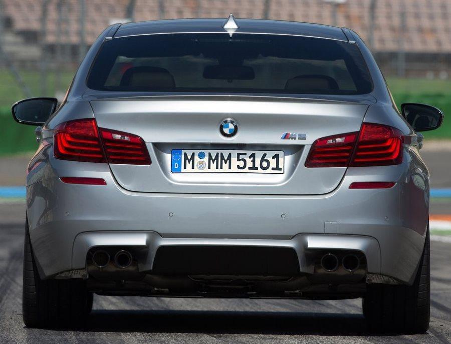 задние фонари BMW M5 2014