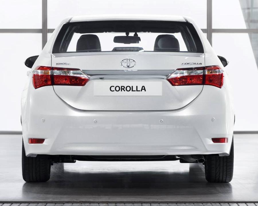 задние фонари Toyota Corolla 2014