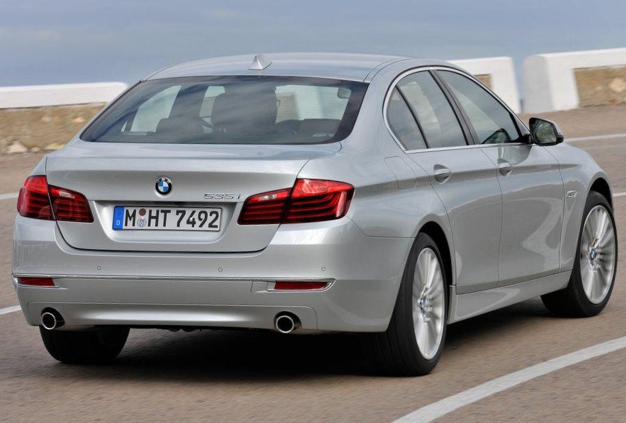 задняя часть BMW 5-Series 2014