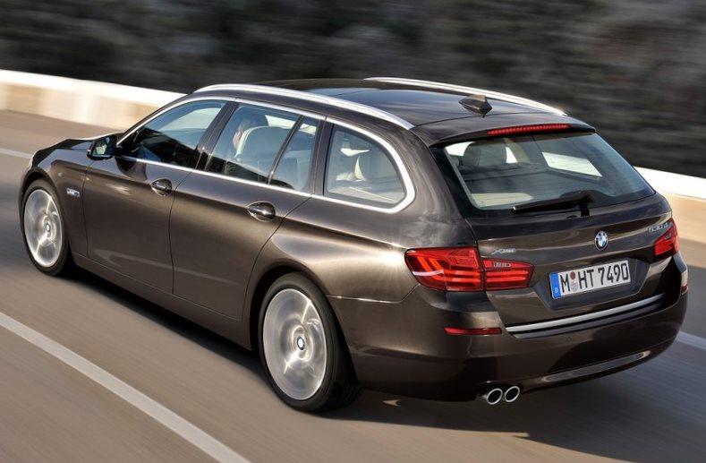 задняя часть BMW 5-Series Touring 2014
