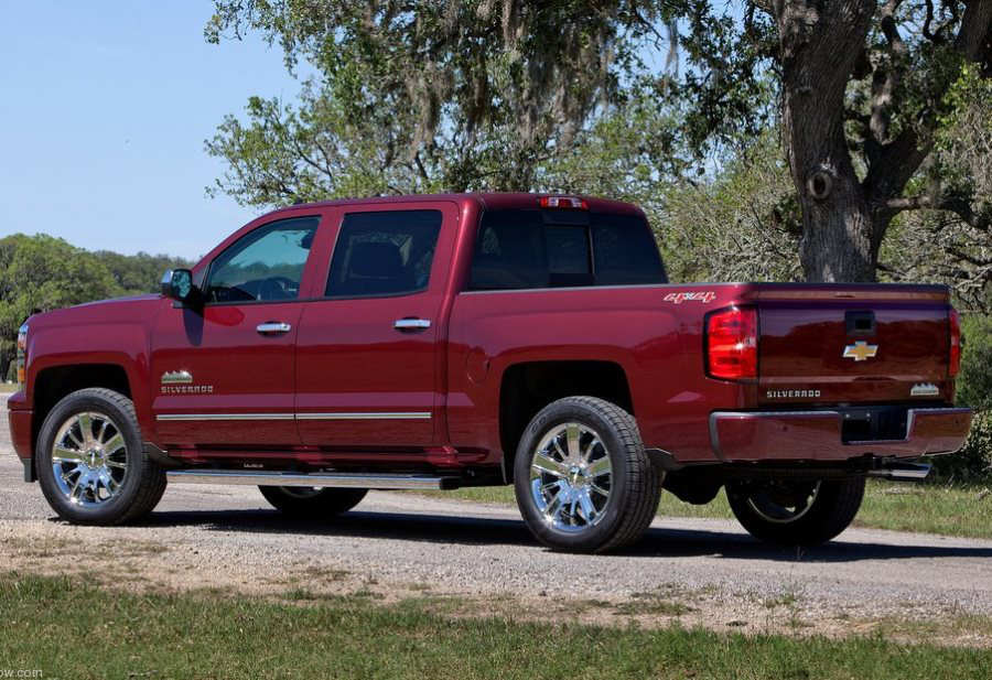 задняя часть Chevrolet Silverado High Country 2014