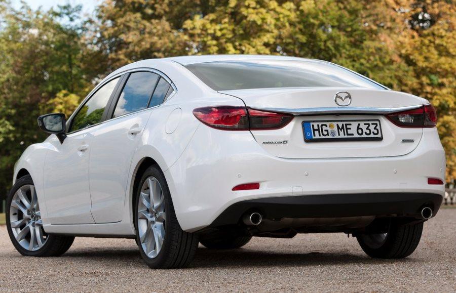 задняя часть Mazda 6 2013 2.5