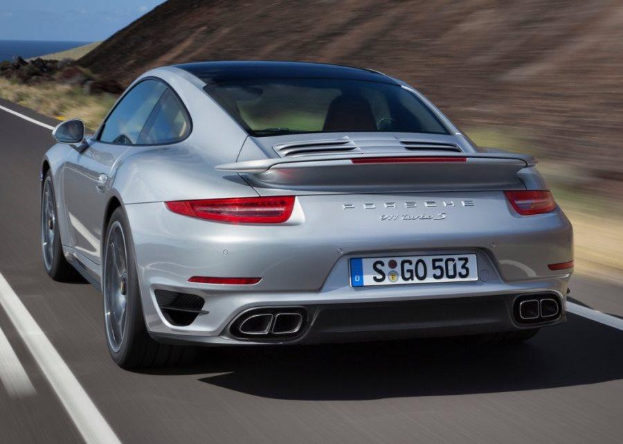 задняя часть Porsche 911 Turbo S 2014