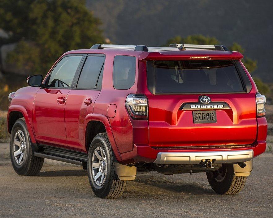 задняя часть Toyota 4Runner 2014