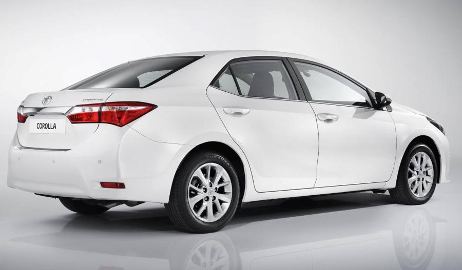 задняя часть Toyota Corolla 2014