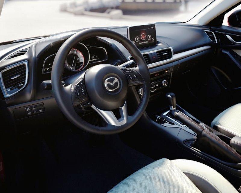 иетерьер Mazda 3 2014