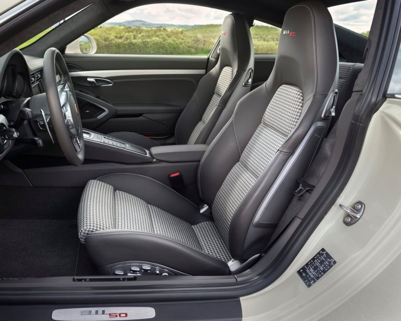 интерьер Porsche 911 50 Years Edition 2013