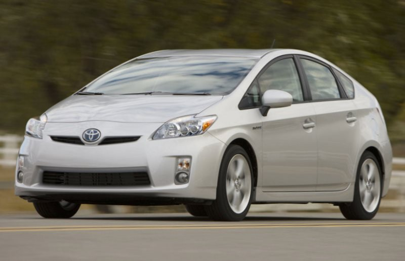 отзывают Toyota Prius