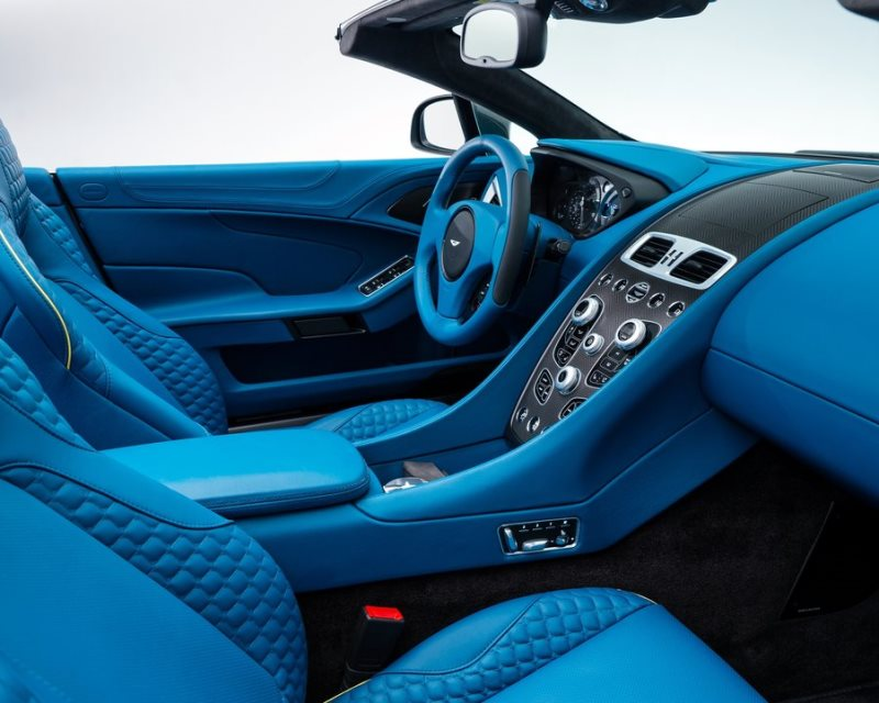 салон Aston Martin Vanquish Volante 2014