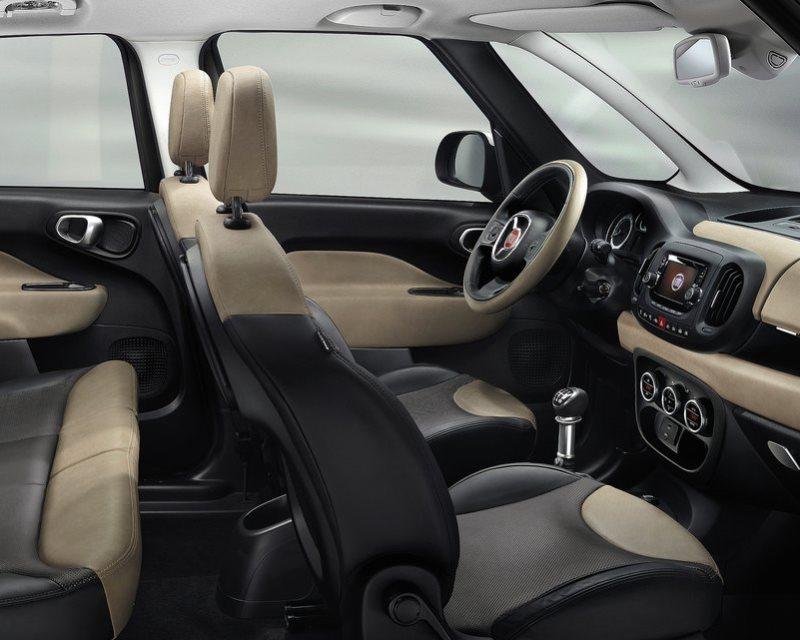 салон Fiat 500L Living 2014