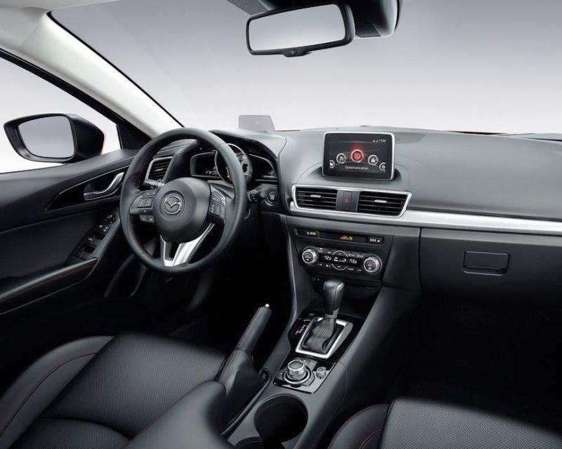 салон Mazda 3 2014