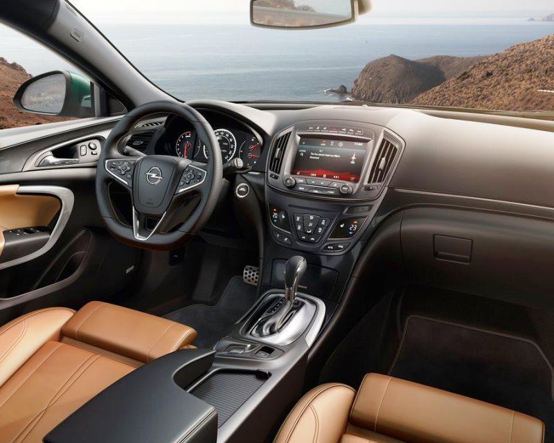 салон Opel Insignia 2014
