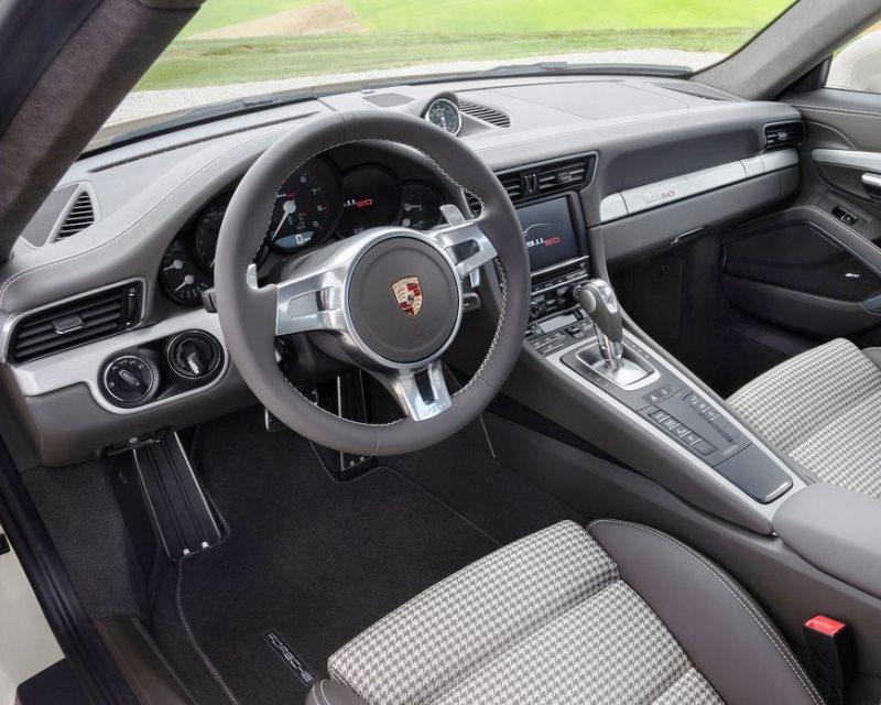 салон Porsche 911 50 Years Edition 2013