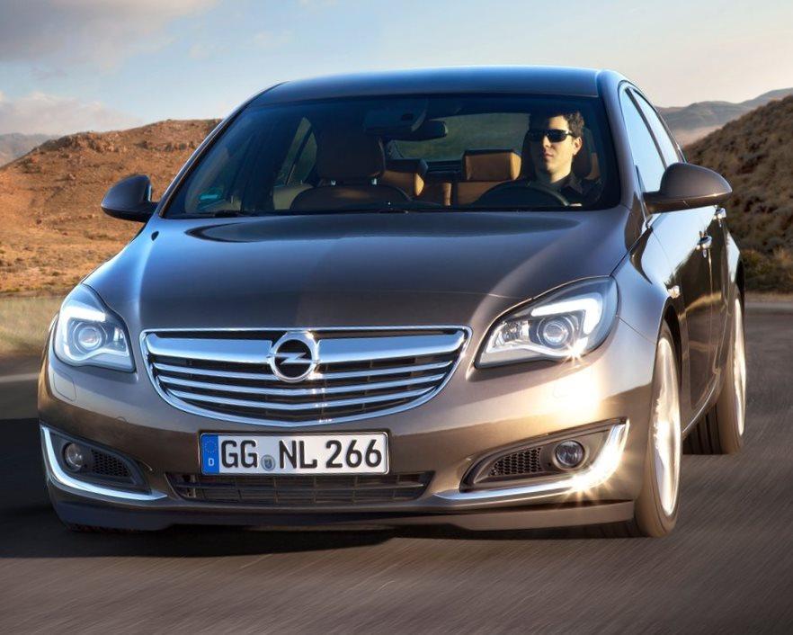 седан Opel Insignia 2014