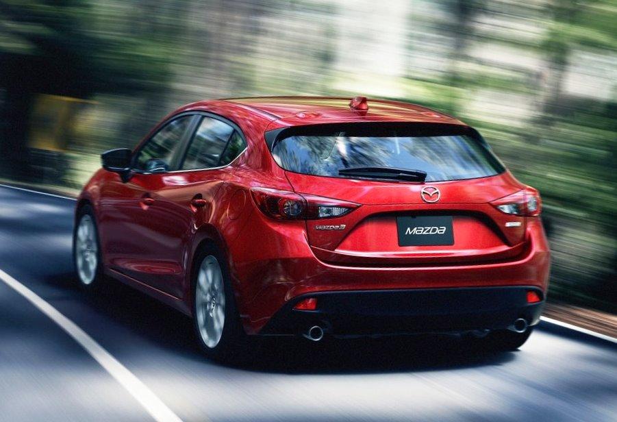 задние фонари Mazda 3 2014