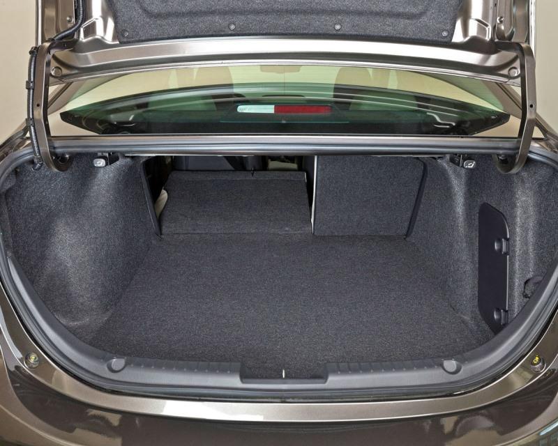 багажник Mazda 3 Седан 2014