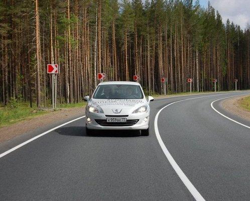 фары и бампер Peugeot 408 Sportium 2013