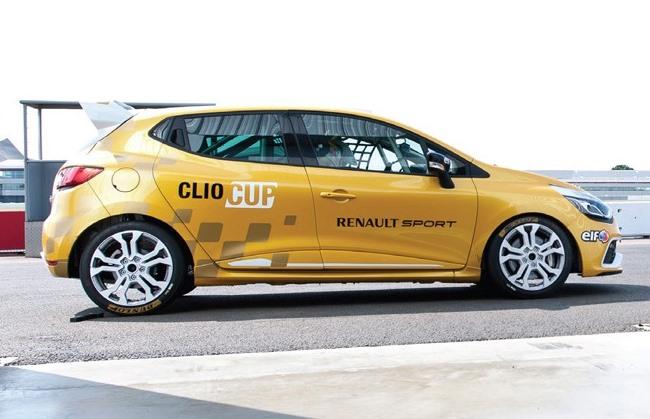 фото Рено Clio Cup 2014 сбоку
