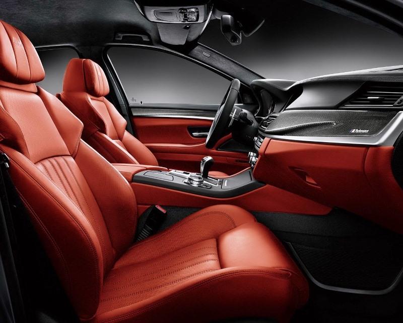 салон BMW M5 Nighthawk
