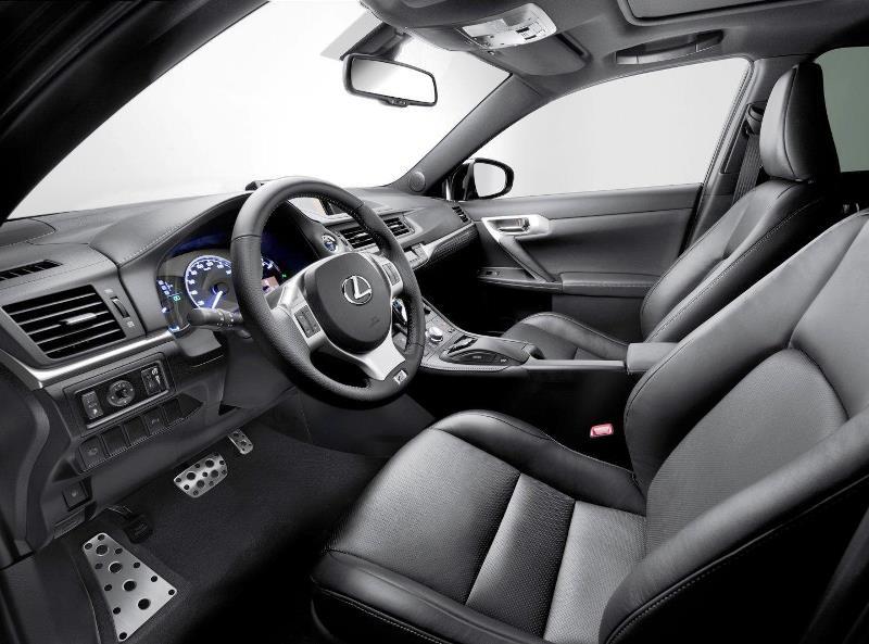 салон Lexus CT200h F-Sport 2013