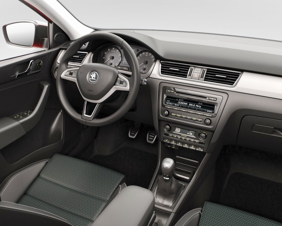 салон Skoda Rapid Spaceback 2014