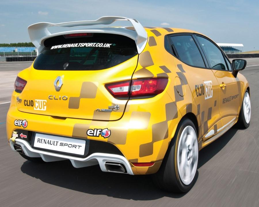 задние фонари Renault Clio Cup 2014