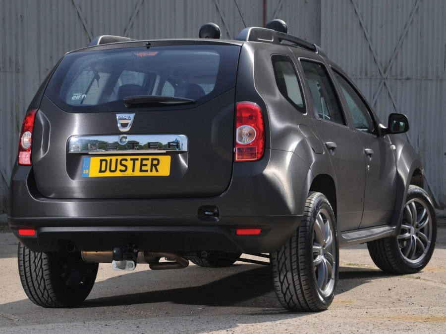 задняя часть Dacia Duster Black Edition