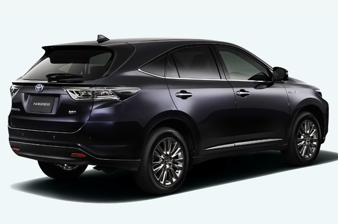 задняя часть Toyota Harrier 2014
