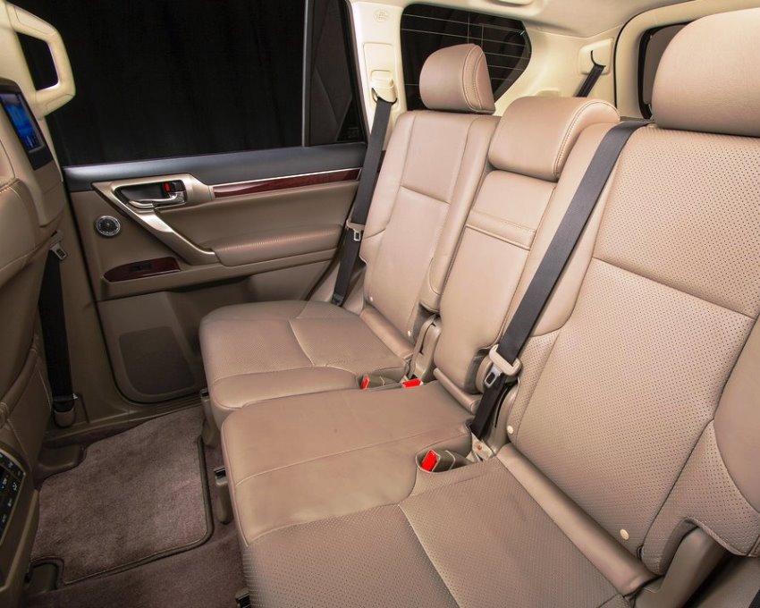 Lexus GX 460 2014 задние сидения