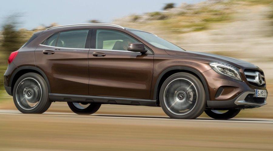 фото Mercedes GLA-Class 2014 сбоку