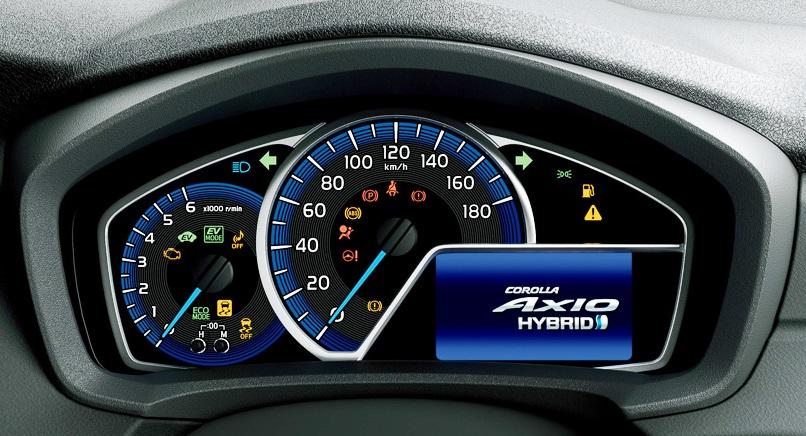 приборная панель Toyota Corolla Axio  Гибрид 2014