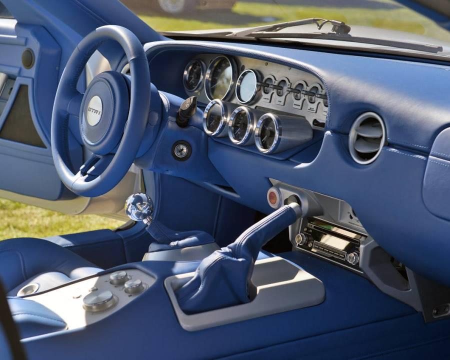 салон Galpin Ford GTR1