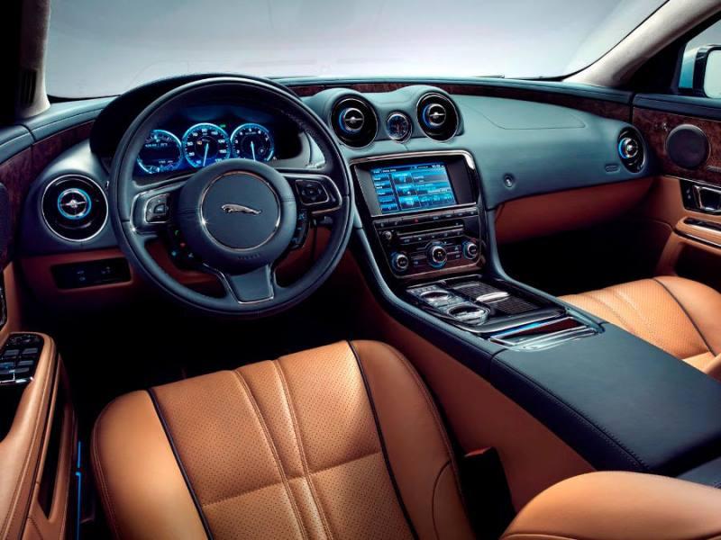 салон Jaguar XJ 2014