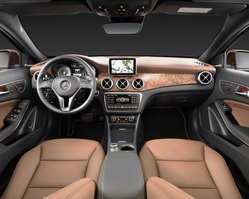салон Mercedes GLA-Class 2014