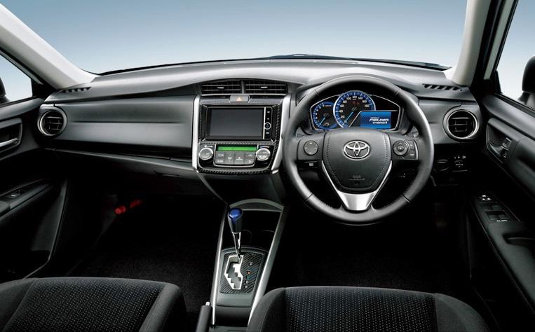 салон Toyota Corolla Fielder Hybrid G 2014
