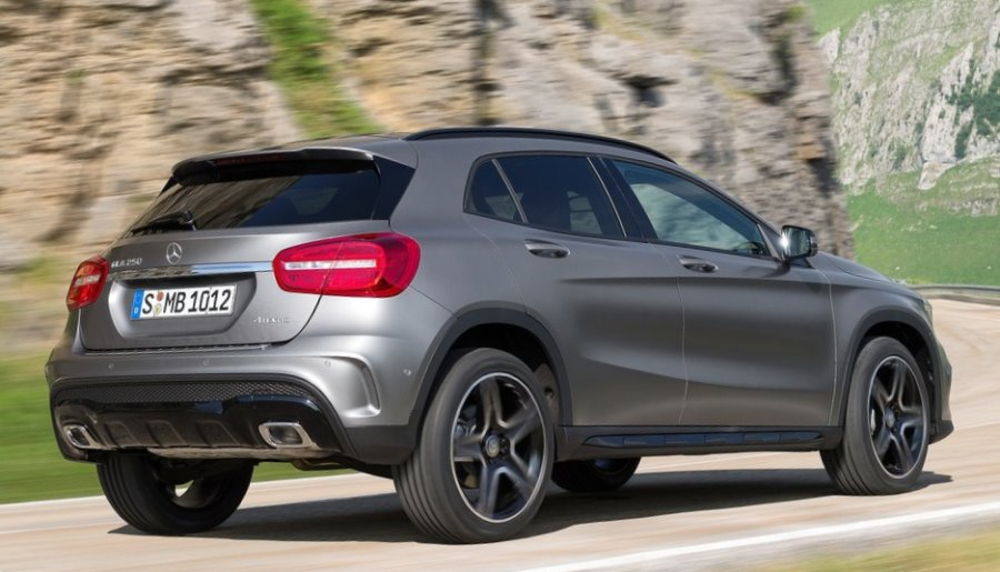 задняя часть Mercedes GLA 250 4MATIC 2014