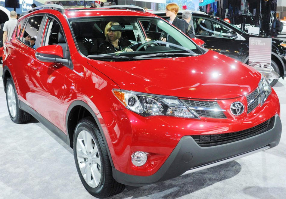 2015 toyota rav4 review and prices autos post. Black Bedroom Furniture Sets. Home Design Ideas
