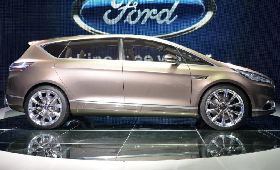 фото Ford S-MAX Concept сбоку