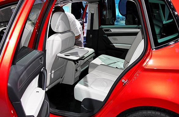 интерьер Volkswagen Golf Sportsvan Concept 2013