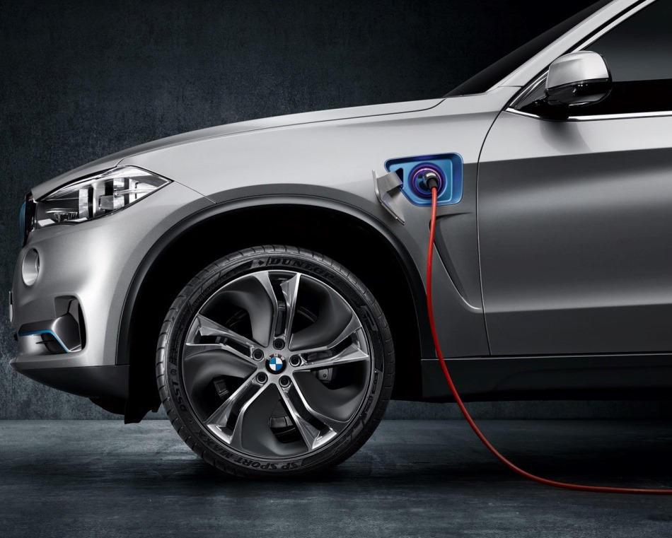 подзарядка BMW X5 eDrive Concept 2013